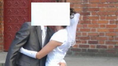 Sprzedam prosta suknie ślubną z tafty