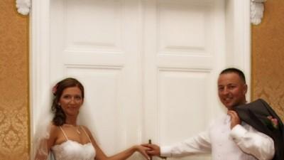 Sprzedam przepiękną białą suknię