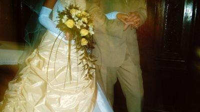 sprzedam przepiękną suknie ślubną renomowanej firmy Agnes