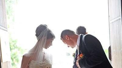 Sprzedam prześliczną suknie ślubną koloru ecru