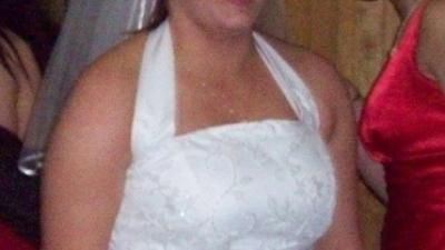 sprzedam sliczną białą jednoczęściową suknię ślubną