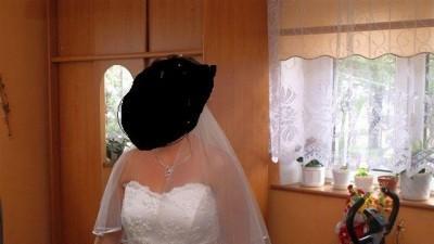 Sprzedam śliczną śnieżnobiałą suknie ślubną