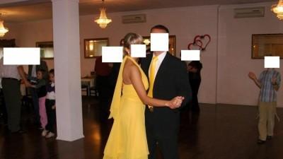 sprzedam śliczną sukienusię :-)