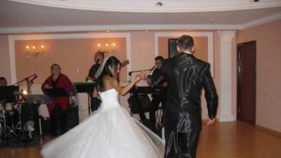 Sprzedam śliczną suknię ślubną Demetrios 939