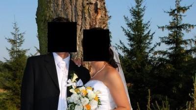 Sprzedam śliczna suknię ślubną rozmiar 38-40.