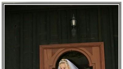 sprzedam śliczną suknię ślubną wraz z welonem,butami,bolerkiem,oraz dodatkami