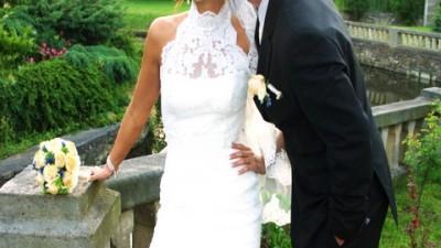 Sprzedam śliczną szytą w Hiszpanii suknię ślubną model White One 2009