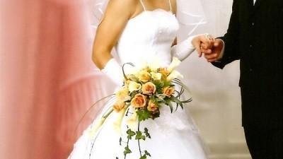 sprzedam śliuczną suknię ślubną
