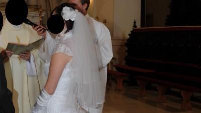 Sprzedam śnieżnobiłą suknię ślubną