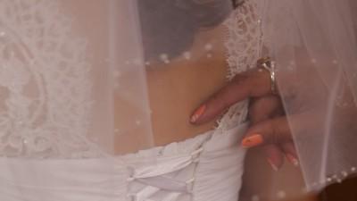 Sprzedam sukienkę ślubną + gratisy (kamizelka, musznik, buty)