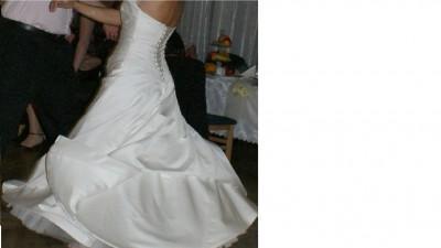 sprzedam suknie Lisa Ferrera