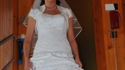 sprzedam suknię slubną 900 zł; cena do  negocjacji