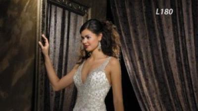 Sprzedam  suknię slubną Allure Bridalls L180 z kryształkami Swarovskiego