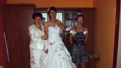 Sprzedam  suknie  slubna  biala .Hit  2009