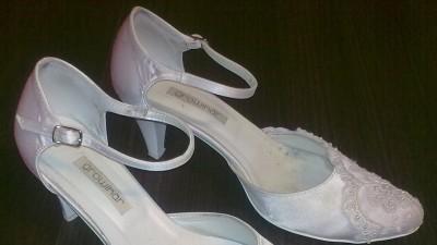 Sprzedam Suknie ślubną, buty, welon, rękawiczki
