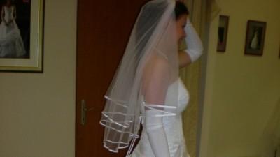 sprzedam suknie ślubną classa c-406 biała z trenem