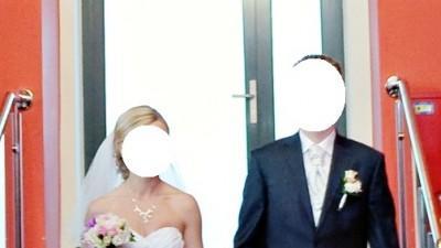 Sprzedam suknię ślubną Demetrios 4233 - fason syreny, biała