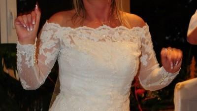 Sprzedam  suknię ślubną firmy PRONOVIAS model INDIA z bolerkiem