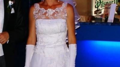 Sprzedam suknię ślubną firmy Sarah plus rękawiczki