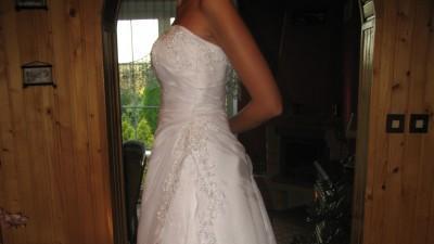 Sprzedam suknie ślubną - GRATISY