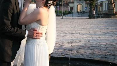 sprzedam suknie ślubną+ gratisy (długi welon, szal, dluga sukienka na poprawiny)