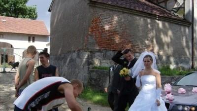 Sprzedam suknie ślubna. Jest szyta na wymiar 38.