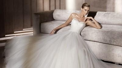 SPRZEDAM suknię ślubną PRONOVIAS Barbate tiul pióra rozmiar 34-36