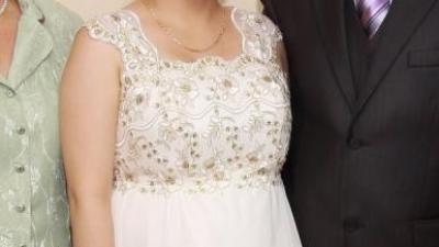 Sprzedam suknię ślubną (także dla przyszłej mamy)