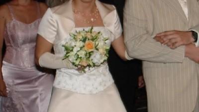 sprzedam suknię ślubną w kolorze ecru
