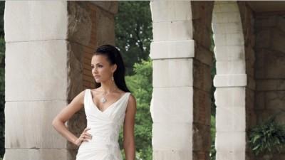 Sprzedam suknię ślubną . WELON I POKROWIEC GRATIS!