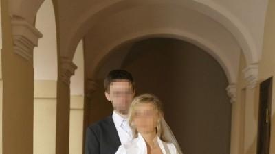Sprzedam suknię ślubną z białej gładkiej tafty