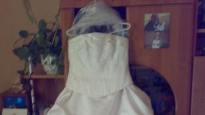 sprzedam suknie ślubna z dodatkami nie drogo