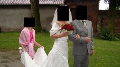 SPRZEDAM SUKNIĘ ŚLUBNĄ z dodatkami oraz sukienką na przebranie