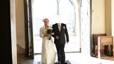 Sprzedam suknie ślubną z trenem + bolerko