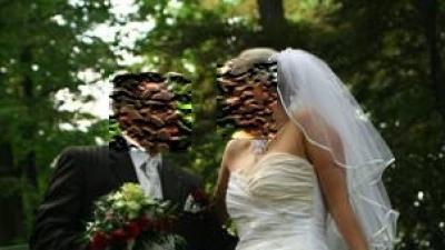Sprzedam suknię ślubną z welonem i ozdobą na szyję