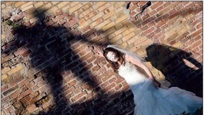 Sprzedam suknie w stylu hiszpańskim. Model Clementine z salonu Marietta