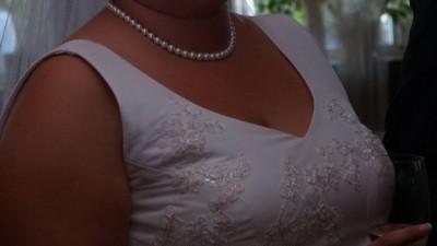 Sprzedam suknię z białej gniecionej tafty. stan idealny
