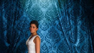 Sprzedam tanio piękną suknię ślubną szyta na indywidualne zamówienie  w Anglii!