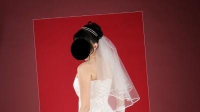 Sprzedam waniliową suknie