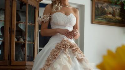 sprzedam wyjątkową suknie ślubną gratis dodatki