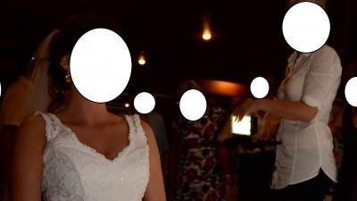 Sprzedm koronkową suknię ślubną