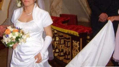 sprzedm suknię ślubną
