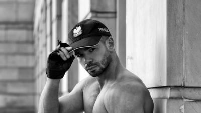 Striptizer Łódź, striptiz męski, tancerz erotyczny na wieczór panieński