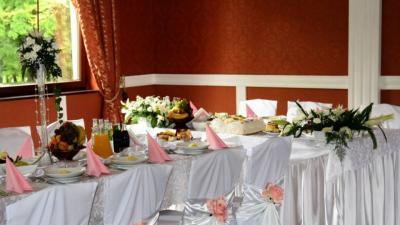 stylowe, eleganckie dekoracje ślubne sal i kościołów, florystyka, fotografia ślubna