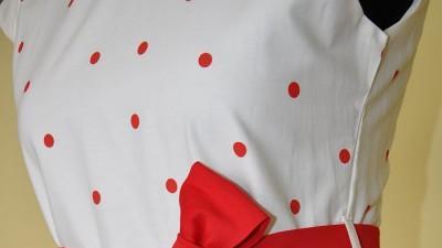 """SUKIENKA """"GOSIA"""" z nowej kolekcji wiosenno - letniej 2012 w rozmiarach 116-158"""