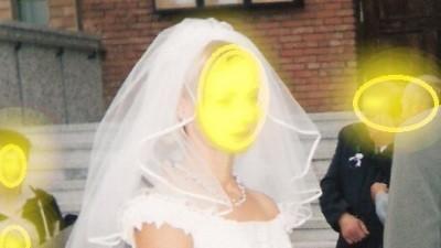 sukienka ślubna koloru ecru
