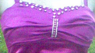 Sukienka w kolorze ciemnego różu