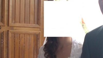 Suknia biała, koronka, wiązana na szyję