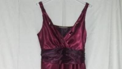 suknia bordo