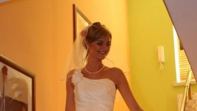 Suknia Classa,kremowa w idealnym stanie